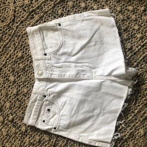 ❤ TOPSHOP White Shorts
